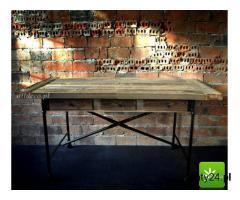 Stylowe stoły ze starego drewna