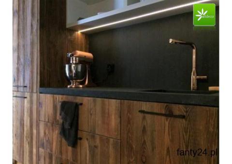 Fronty kuchenne ze starego drewna -prosty sposób na wielką zmianę.