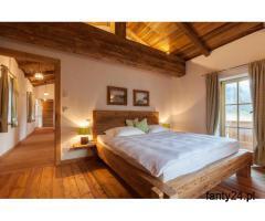 Łóżka ze starego drewna na wymiar